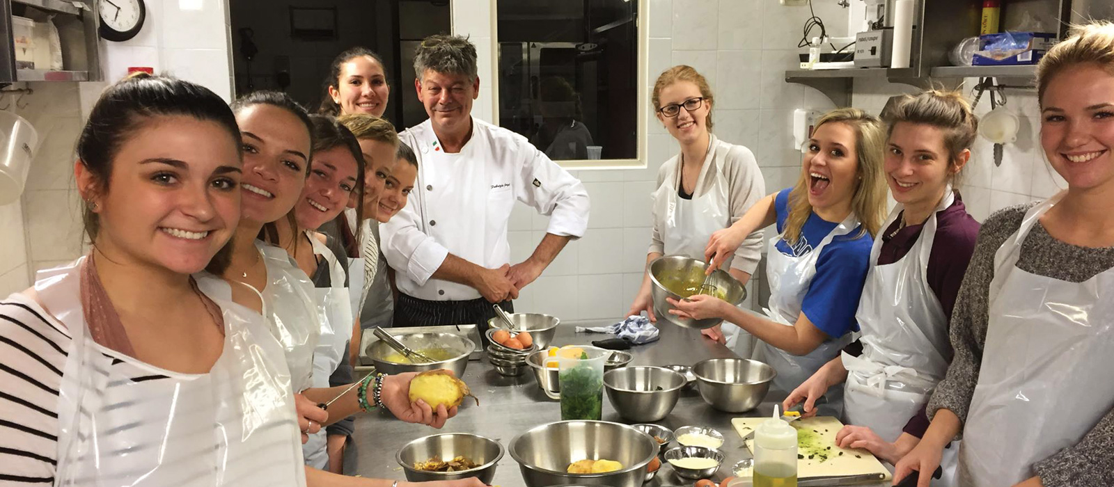 Intavola Cooking School