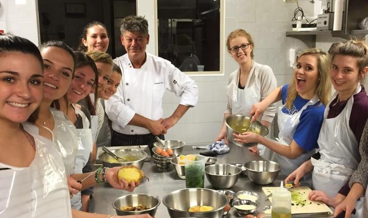 Intavola Cooking School